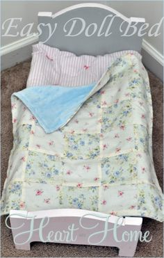 Easy diy doll bed - All Things Heart and Home American Girl Diy, American Girl Clothes, Girl Doll Clothes, Girl Dolls, Baby Dolls, Doll Crafts, Diy Doll, American Girl Furniture, Doll Quilt