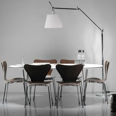 The Fritz Hansen Table Series - Span Leg is available in various sizes and finishes making it suitable for all kinds of spaces. Buy at Utility Design now. Fritz Hansen, Design Shop, Arne Jacobsen Chair, Design Creation, Parisian Decor, Floor Lamp With Shelves, Dining Chairs, Dining Table, Interior Desing