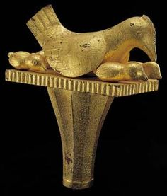 African Gold from the Glassell Collection, Staff finial of a hen and her chicks || National Museum of African Art Africa Art, African Jewelry, Gold Jewelry, Jewellery, National Museum, Ghana, Bird, Gold Leaf, Knights