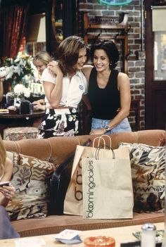 "FRIENDS -- ""The One With the Breast Milk"" Episode 2 -- Pictured: Jennifer Aniston as Rachel Green, Courteney Cox as Monica Geller Get premium, high resolution news photos at Getty Images Friends Cast, Friends Moments, Friends Series, Friends Tv Show, Friends Forever, Friends Episodes, Rachel Friends, Friends Girls, Gilmore Girls"