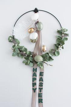 Modern Easter wreath with eucalyptus and spices – senses … – DIY Ideas Diy Earrings Easy, Cute Clay, Easter Wreaths, Diy Wreath, Easter Crafts, Easter Decor, Easter Ideas, Christmas Diy, Diy And Crafts