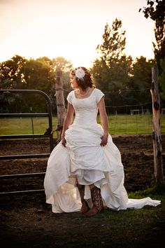 cowgirl wedding! So Rosie one day!
