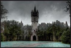 35 Scary and Haunted Abandoned Places-06