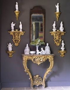 Blanc de chine figurines on gold corbels over dark wall Decorative Brackets, Wall Brackets, Console Table, Rococo, Wall Trim, Chinoiserie Chic, World Of Interiors, Design Blog, Design Design