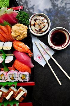 Sushi Boat - JPG Photos