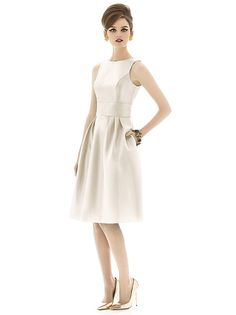 Alfred Sung Style D660 http://www.dessy.com/dresses/bridesmaid/d660/#.VHv2gWTF_9U