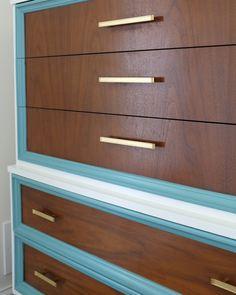 Modern Dresser Knobs - Home Furniture Design Retro Dresser, Colorful Dresser, Modern Dresser, Furniture Makeover, Home Furniture, Modern Furniture, Furniture Design, Repainting Furniture, Painted Furniture