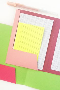 Mini Folder DIY - Maritza Lisa: Create your own mini folders with this free download. Perfect for holding wedding vows, teachers' gifts and back-to-school!
