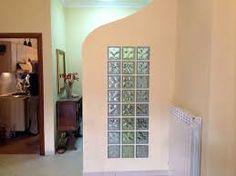 Risultati immagini per pareti vetrocemento mobili casa