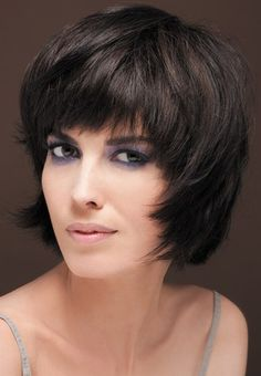 Zdjęcie 12 - Krótkie fryzury damskie z grzywką