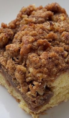 Cinnamon Cream Cheese Coffee Cake - Bake or Break swirl the filling. double cream cheese and crumbles. Sweet Recipes, Cake Recipes, Dessert Recipes, Quick Dessert, Salad Recipes, Breakfast Cake, Breakfast Dishes, Cream Cheese Breakfast, Cream Cheese Bread