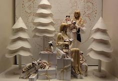 Vreni's Vienna Daily Photo: Chanel White Christmas December 2010 Love love love these trees Christmas Window Display, Christmas Store, Christmas Design, White Christmas, Christmas Windows, Shop Window Displays, Store Displays, Ideas Decoracion Navidad, Decoration Vitrine