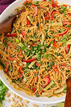 Spicy Thai Peanut Noodles by @cookingclassy
