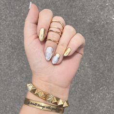 @lissables is on trend! Love the #MirrorMetallicGoldJN & #SculptedJN combo. #chromenails #Jamberry
