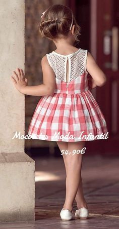 Beautiful summer wear in check cotton full skirt attached lace top sleeve less Baby Girl Dress Patterns, Little Girl Dresses, Girls Dresses, Flower Girl Dresses, Frocks For Girls, Kids Frocks, Baby Girl Romper, Baby Dress, Kids Dress Wear