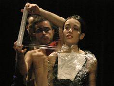 La Seca, ubicada al barri del Born de Barcelona, és una fàbrica de creació contemporània dedicada a la creació, la producció i l'exhibició en els àmbits del teatre, la dansa, la màgia, el circ i altres arts escèniques, tant visuals com musical