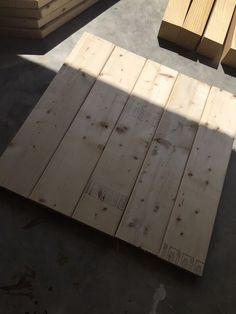 Free and easy DIY plans showing you exactly how to build a square coffee table with a planked top. No woodworking experience required. Coffee Table Plans, Diy Coffee Table, Coffee Table Design, Diy Table Top, Make A Table, Patio Table, Large Square Coffee Table, Square Dining Tables, Wood Pallet Furniture