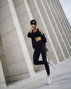 With the last two months of nonstop travel, working out consistently has been hard to keep up with. Since Fashion Month ended, this Read Fall Fashion Outfits, Trendy Outfits, Boho Fashion, Autumn Fashion, Happily Grey, Fitness Fashion, Fitness Outfits, Daytime Dresses, Daily Look