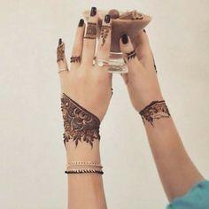 Elegant henna