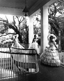 So good! - azalea trail maids out on the porch~ | CHECK OUT MORE PORCH AND SCREEN DOOR IDEAS AT DECOPINS.COM | #porch #porches #screendoor #screendoors #outside #exterior #homedecor #porching