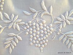 New ANTIQUE LINEN   embroidery and monogram LR on fine linen - White Passion - Old Embroidery