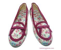 Vintage White Flat Shoes