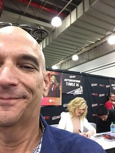 Barry Greenberg‏@celebconn - @jenmorrisonlive is in the house! @NY_Comic_Con @LSFineArt