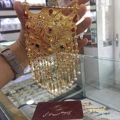 Gold Jewelry, Gold Necklace, Jewellery, Pakistani Wedding Outfits, Pink Wallpaper, Bridal Collection, Jewelry Design, Bling, Womens Fashion
