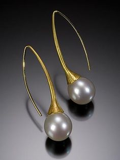 Ayesha Mayadas, Dew Drop Earrings, 18k, South Sea pearls