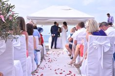 A gorgeously Grecian real wedding abroad!