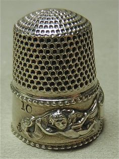 ANTIQUE STERLING SILVER THIMBLE CUPID SPECIAL CUPIDS STERN BROS C. 1900