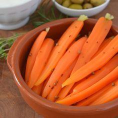 Garlic & Coriander Quick-Pickled Baby Carrots