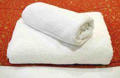 ¿Te gustaría que esas toallas de baño viejas que tienes en tu hogar volvieran a estar tan suaves como la seda? En ese caso puedes recurrir a los trucos caseros, que te ayudarán a conseguir tu objetivo sin que tengas que invertir dinero en carísimos productos de limpieza. Es un truco case