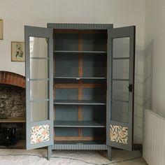 Armoire parisienne vitrée, Tawara -en vogue- Nantes China Cabinet, Vogue, Storage, Furniture, Home Decor, Nantes, Dresser, Chart, Purse Storage