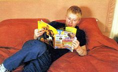 thom yorke doing things ( Great Bands, Cool Bands, Thom Thom, Colin Greenwood, 1990s Bands, Thom Yorke Radiohead, Steampunk Fairy, Corps Parfait, Wonder Boys