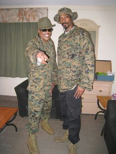 Charlie Wilson and Snoop Dogg in 2008 at Camp Pendelton.