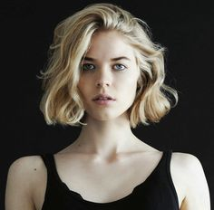 Best Short Hairstyles For Wavy Hair - Women Short Hairstyles Idea