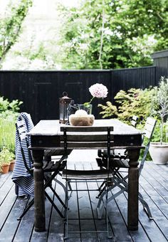 Pergola For Sale Lowes Info: 8092039830 Outdoor Rooms, Outdoor Gardens, Outdoor Furniture Sets, Modern Furniture, Furniture Design, Patio Dining, Outdoor Dining, Outdoor Decor, Outdoor Seating