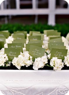 wedding style, escort card, senza parole, senza parole escort card, matrimoni, inspiration escort card, rustic chic escort card, succulent escort card, piantine grasse escort card, rustic escort card, pine cones escort card, pigne escort card, bottles escort card, boccette escort card, stump of wood escort card, ceppi di legno escort card, lily of the valley escort card, mughetto escort card, cork escort card, tappi di sughero escort card, flowers escort card,