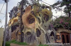 Weird Houses Of The World