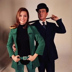 English actors Patrick Macnee and Diana Rigg during the filming of the telly show The Avengers. They played British Intelligence Officers John Steed and Emma Peel. The series, ran and was revived as The New Avengers Emma Peel, Spy Shows, Uk Tv Shows, The Avengers, Patrick Macnee, Estilo James Bond, Diana Riggs, Tv Vintage, Vintage Candy