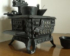 Queen - Vintage Toy Stove - 1970's - Cast Iron - Many Accessories - Perfect for Dolls!