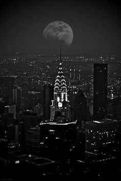 >>> Monochrome // Chrysler Building, NYC