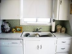 Backsplash Idea for Rental Kitchens: Removable Fabric | The Kitchn