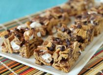 S'mores Treats Just Desserts, Delicious Desserts, Yummy Food, Yummy Yummy, Delish, Tasty, Candy Recipes, Dessert Recipes, Yummy Recipes