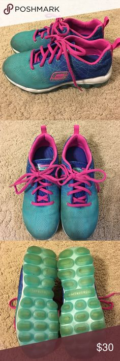 👧🏻 Girls SKETCHERS Skech-Air-Laser Lite Shoes 💕 👧🏻 Girls SKETCHERS Skech-Air-Laser Lite Tennis Shoes 💕 Size 3 and in great used condition! Barely worn!! Skech Knit Mesh fabric upper in a lace up athletic walking and training shoe with unique visible air cushioned outsole. Gel Infused Memory Foam insole. SKETCHERS Shoes Sneakers