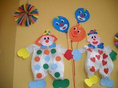 Lavoretti da appendere - Pagliacci per decorare la stanzetta dei bambini.