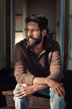 Le-Fashion-Blog-11-Hot-Guys-With-Beards-Greg-Chait-The-Elder-Statesman-Vogue-6.jpg 518×777 pikseli