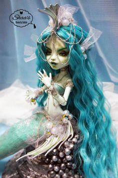 OOAK Monster High Doll Frankie Stein/ Repaint & Costume