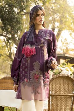 Pakistani Designer Clothes, Pakistani Designers, Designer Dresses, Stylish Summer Outfits, Stylish Dresses For Girls, Girls Dresses, Maria B, Eid Dresses, Pakistani Outfits